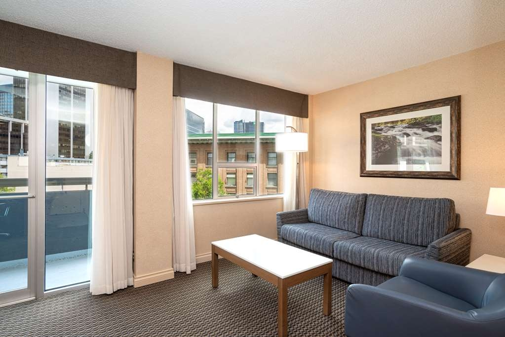 Incredible Hotel In Vancouver Best Western Plus Chateau Granville Home Interior And Landscaping Eliaenasavecom