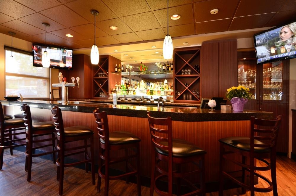 Best Western Plus Langley Inn - Bar/Lounge