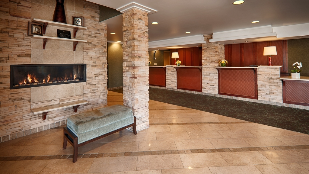 Best Western Plus Langley Inn - We strive to exceed your every expectation starting from the moment you walk into our lobby.