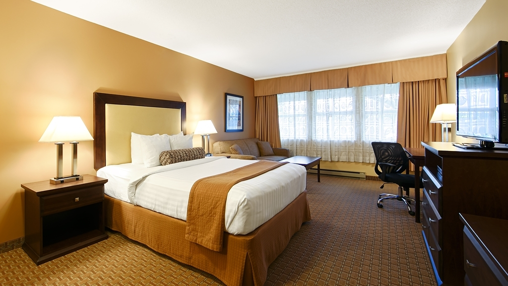 Best Western Plus Emerald Isle Hotel - Queen Bed Guest Room