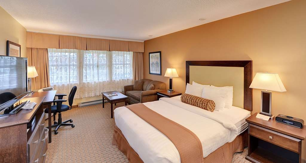 Best Western Plus Emerald Isle Hotel - One Queen Bed Guest Room with Hide-A-Bed Couch (Handi-Accessible Grab Bars in Bathroom Area)