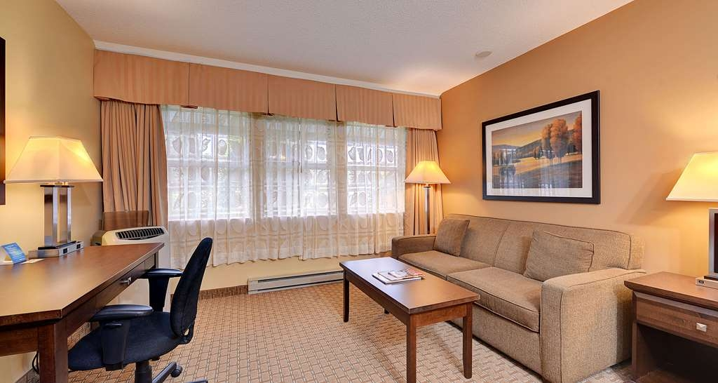 Best Western Plus Emerald Isle Hotel - One Queen Bed Guest Room with Hide-A-Bed