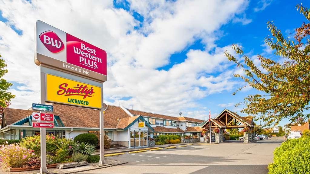 Best Western Plus Emerald Isle Hotel - Vista Exterior