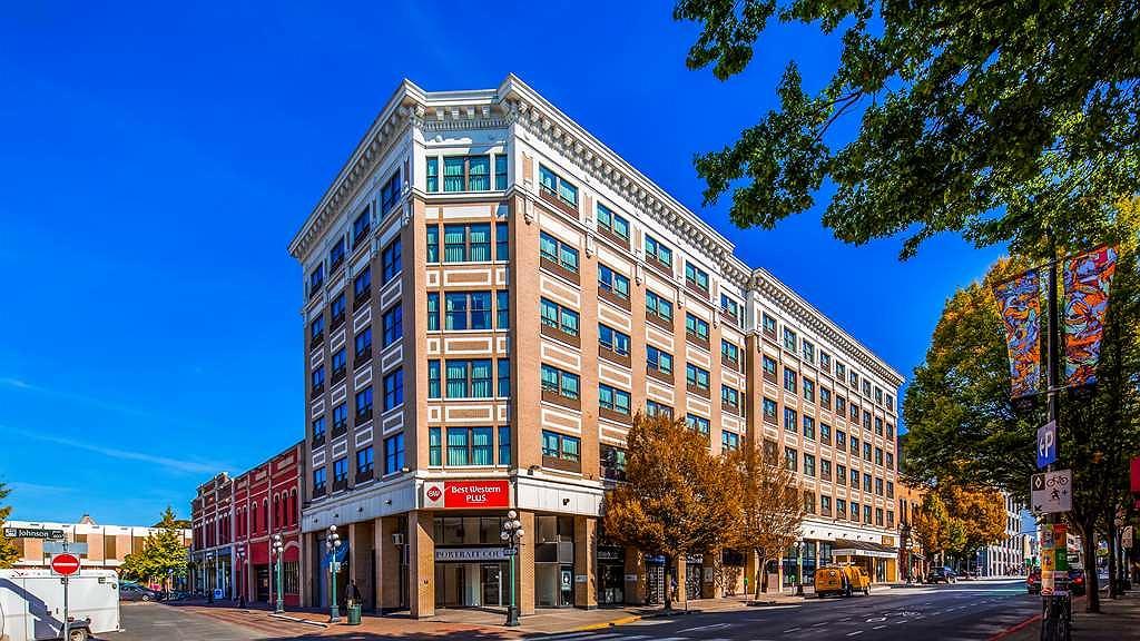 Best Western Plus Carlton Plaza Hotel - Area esterna