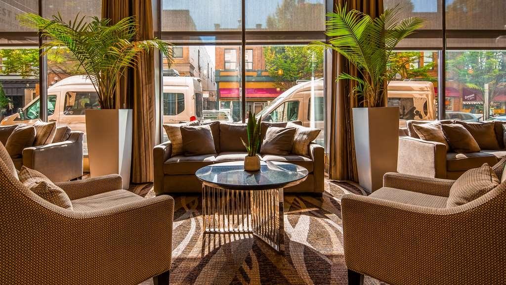Best Western Plus Carlton Plaza Hotel - Hall