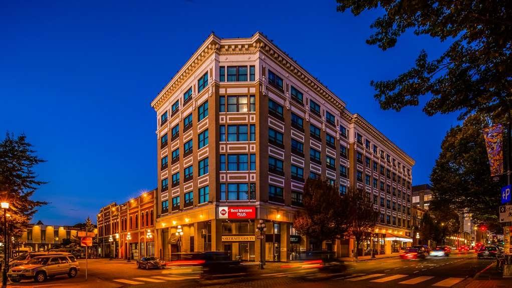 Best Western Plus Carlton Plaza Hotel - Facciata dell'albergo