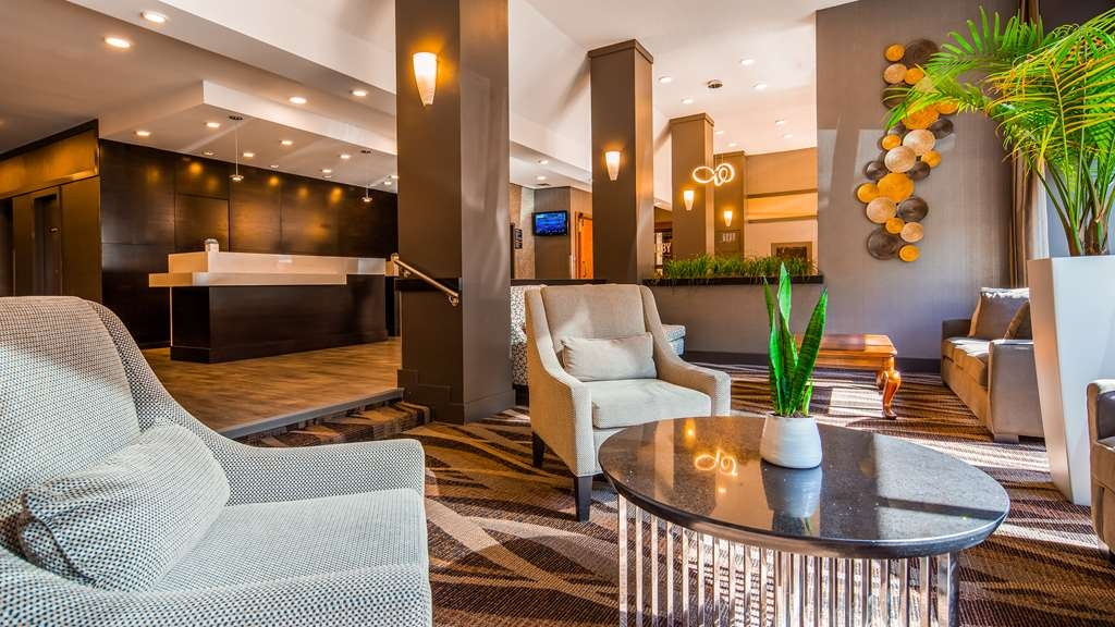 Best Western Plus Carlton Plaza Hotel - Vue du lobby