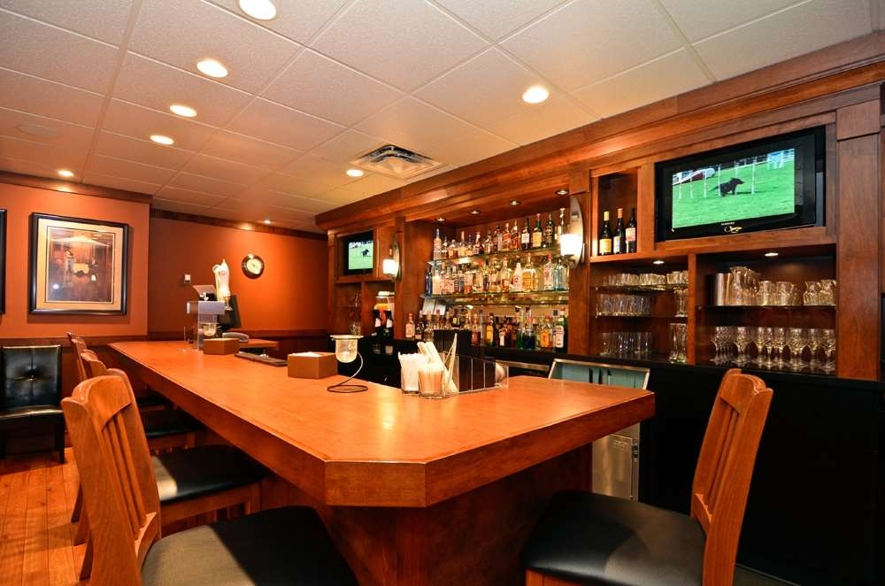 Best Western Plus Country Meadows Inn - Bar/Salón