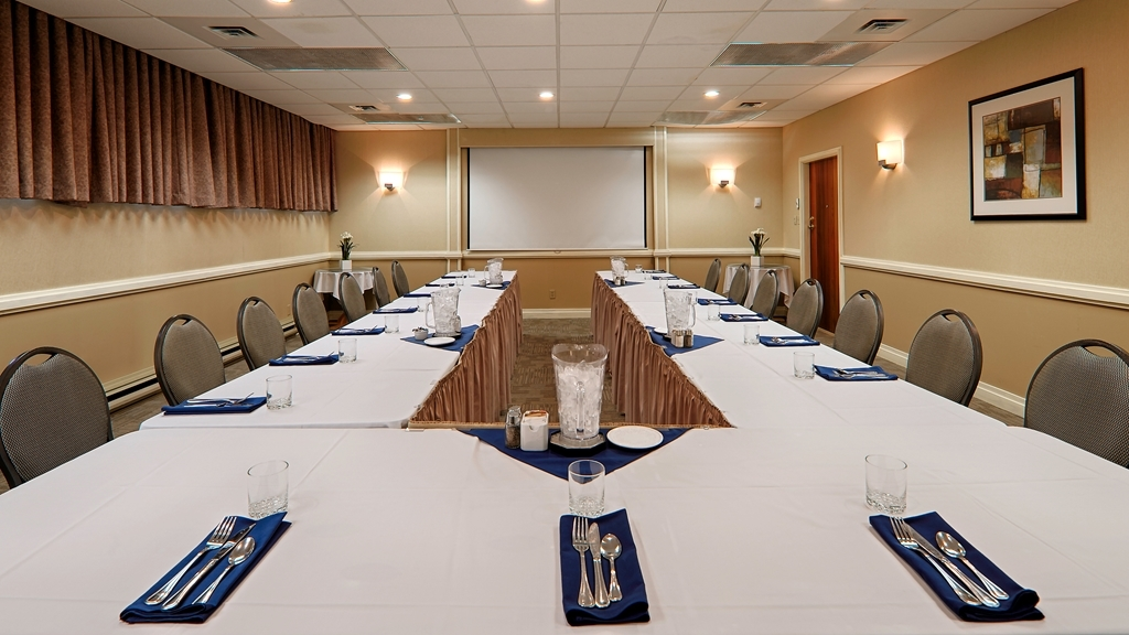 Best Western Cowichan Valley Inn - We have meeting room space starting at 500 square feet to 1,600 square feet. Please contact the hotel directly for more details.