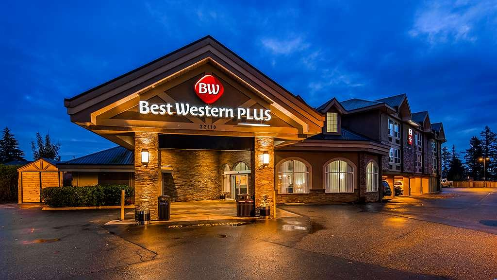Best Western Plus Regency Inn & Conference Centre - Hotel Exterior