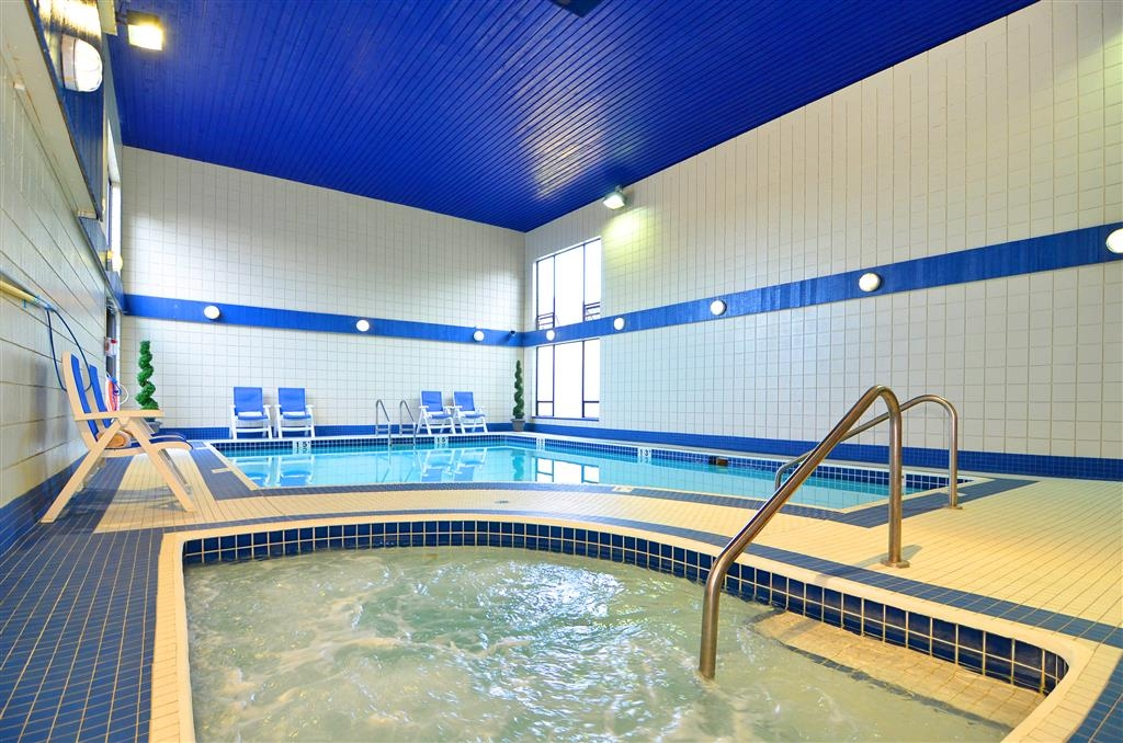Best Western Plus Regency Inn & Conference Centre - The Regency pool is one of two at our hotel. Both are great to spend time with friends and family.