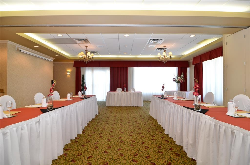 Best Western Plus Regency Inn & Conference Centre - Our conference center is positioned in a separate building and features 1300 square feet of bright well-appointed convention space.