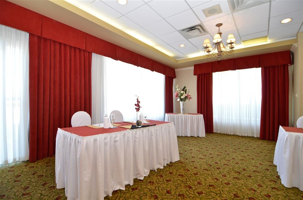 Best Western Plus Regency Inn & Conference Centre - The conference center is dividable one, two or three rooms offering meeting spaces suitable for any number of attendees.