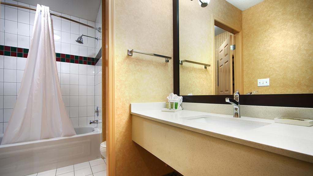 Best Western Plus Regency Inn & Conference Centre - Badezimmer