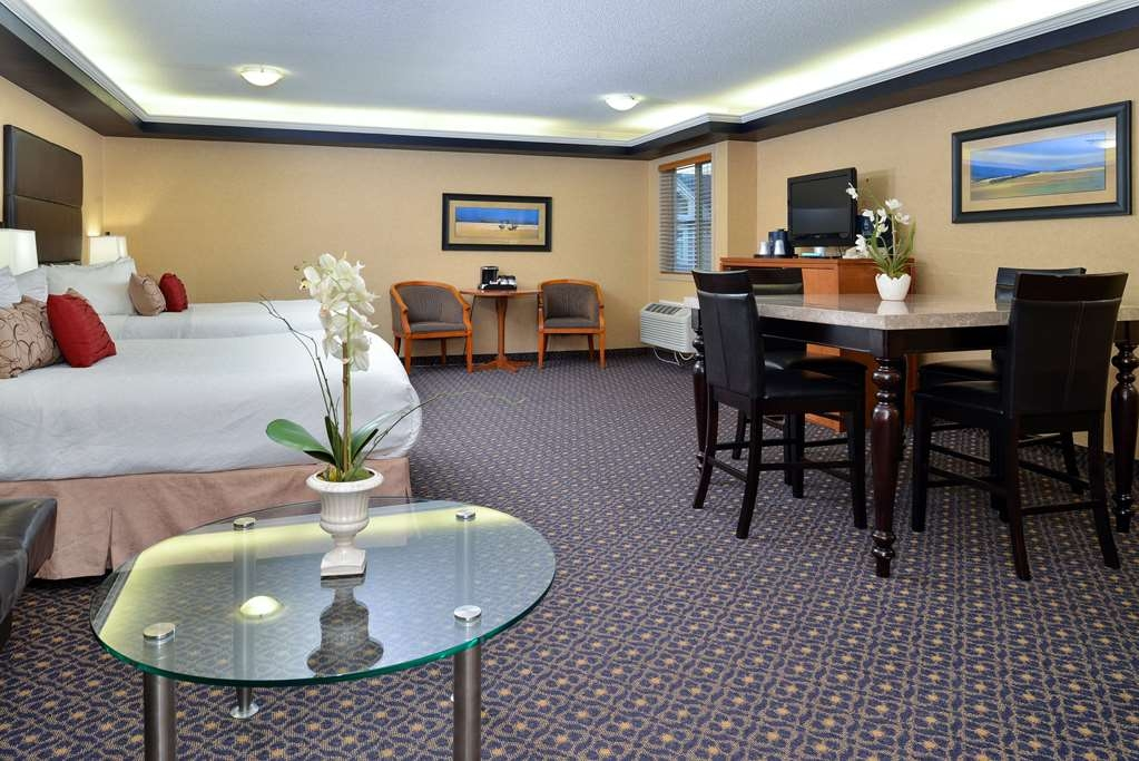 Best Western Plus Regency Inn & Conference Centre - Hospitality Room