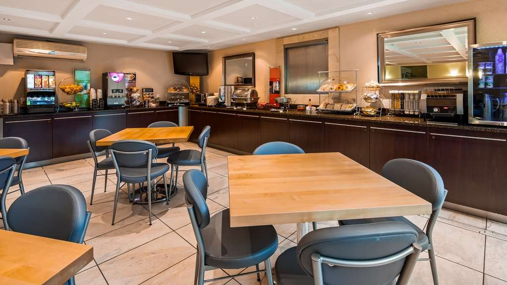 Best Western Plus Regency Inn & Conference Centre - Restaurante/Comedor