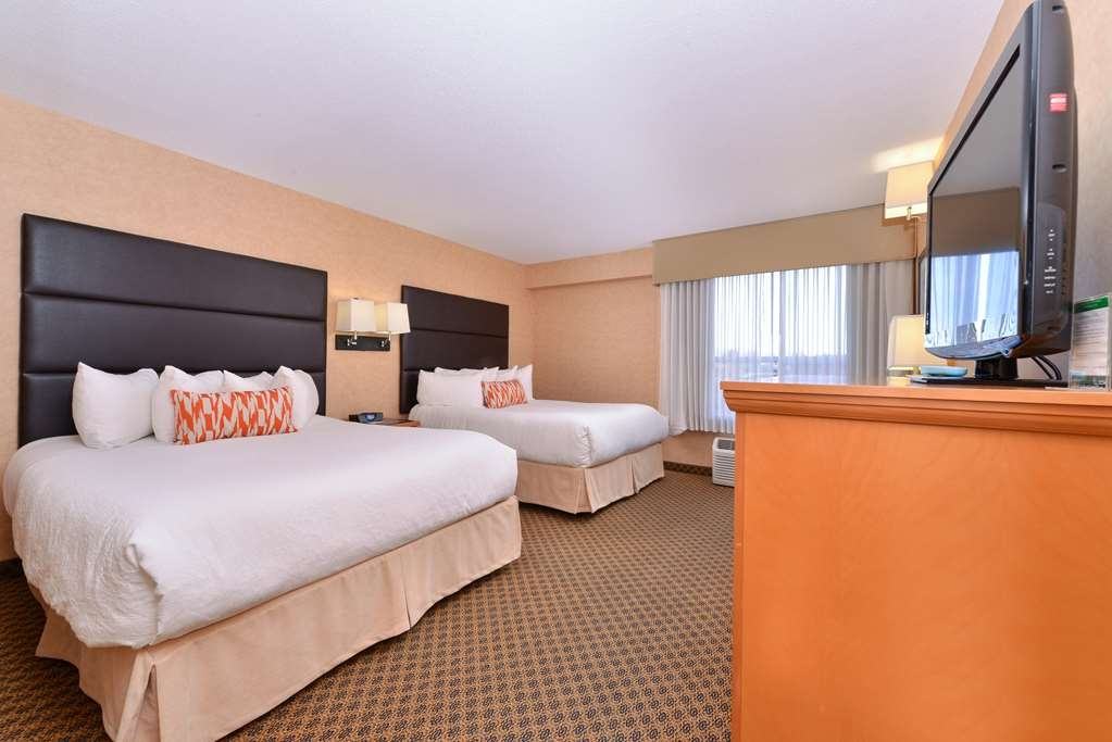 Best Western Plus Regency Inn & Conference Centre - Two Queen Beds Crown