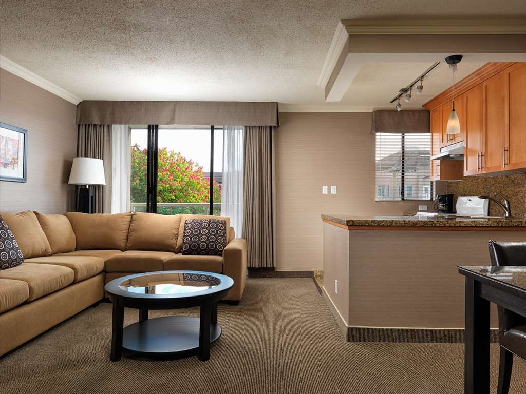 Best Western Plus Inner Harbour - Suite