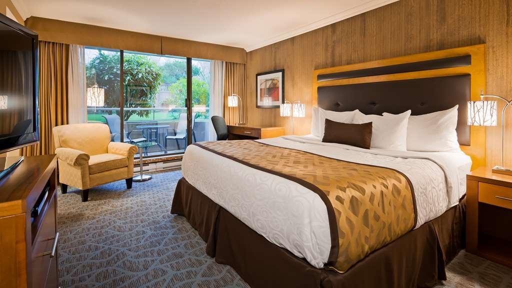 Best Western Plus Inner Harbour - Guest Room