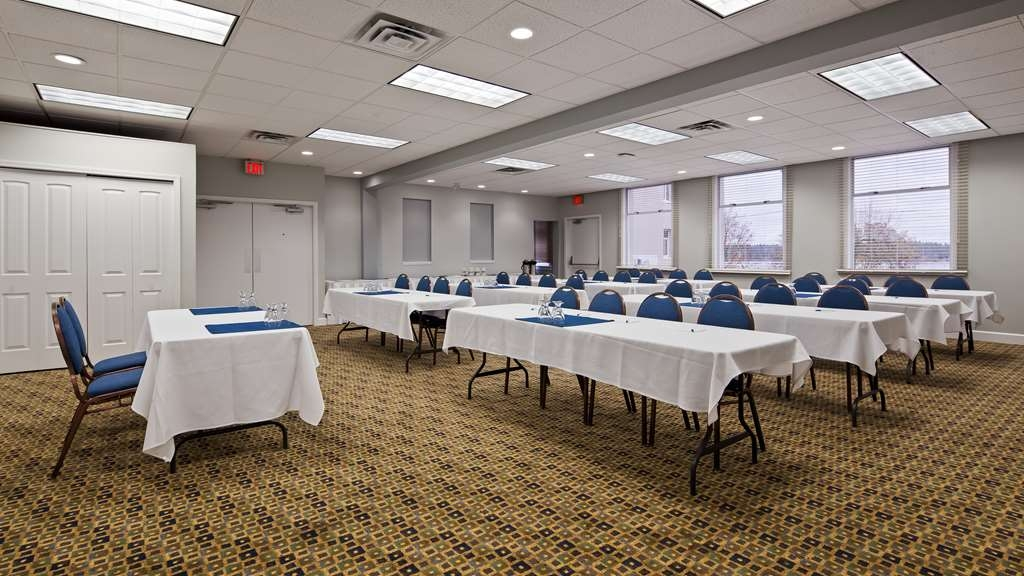 Best Western Dorchester Hotel - The Harbour Room is 1,056 sq. ft. with maximum capacity of 50 guests.