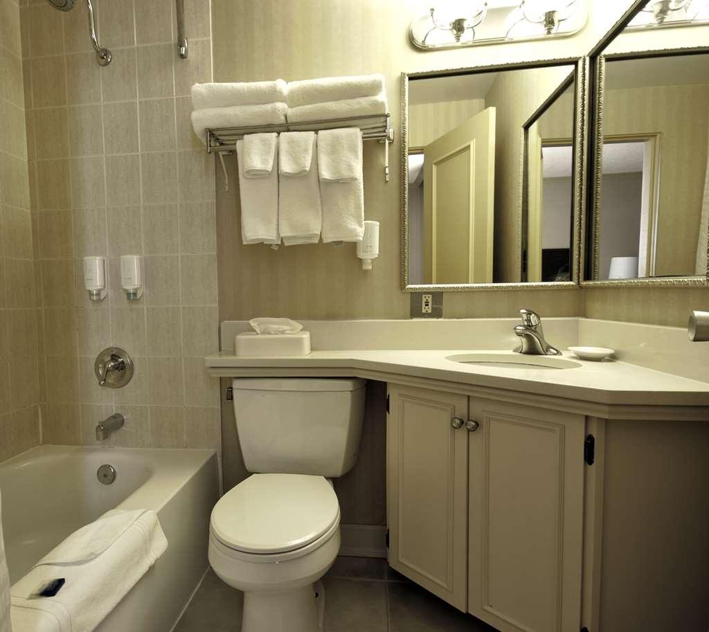 Best Western Dorchester Hotel - Standard Queen City view Bathroom