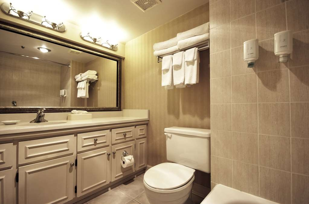 Best Western Dorchester Hotel - Standard King room with Harbour view Bathroom