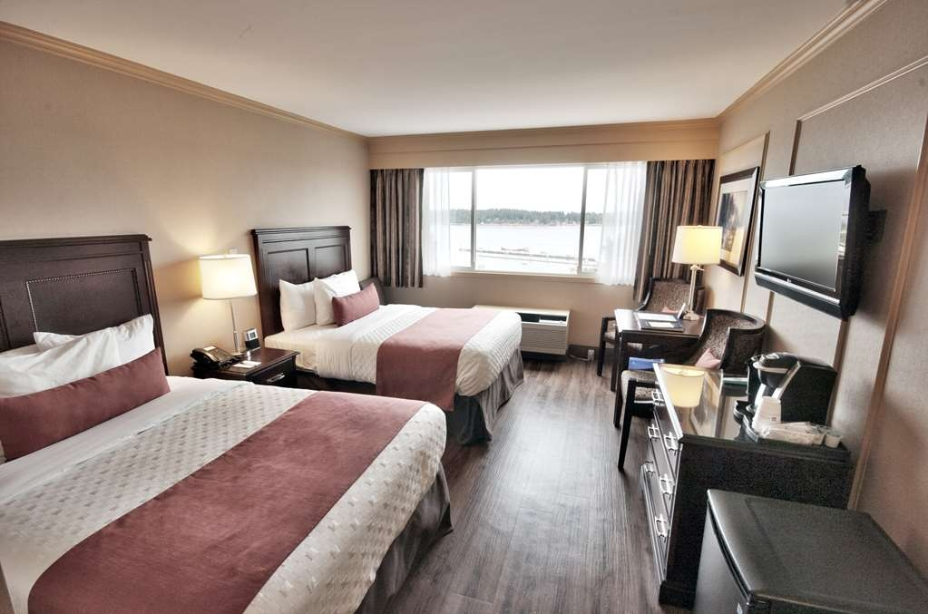 Best Western Dorchester Hotel - Standard Two Double Beds with picturesque harbour view, Two Double beds, One Parson table with two chairs,Complimentary Coffee/Tea Maker, Flat Screen TV, Fridge, Iron/Iron Board