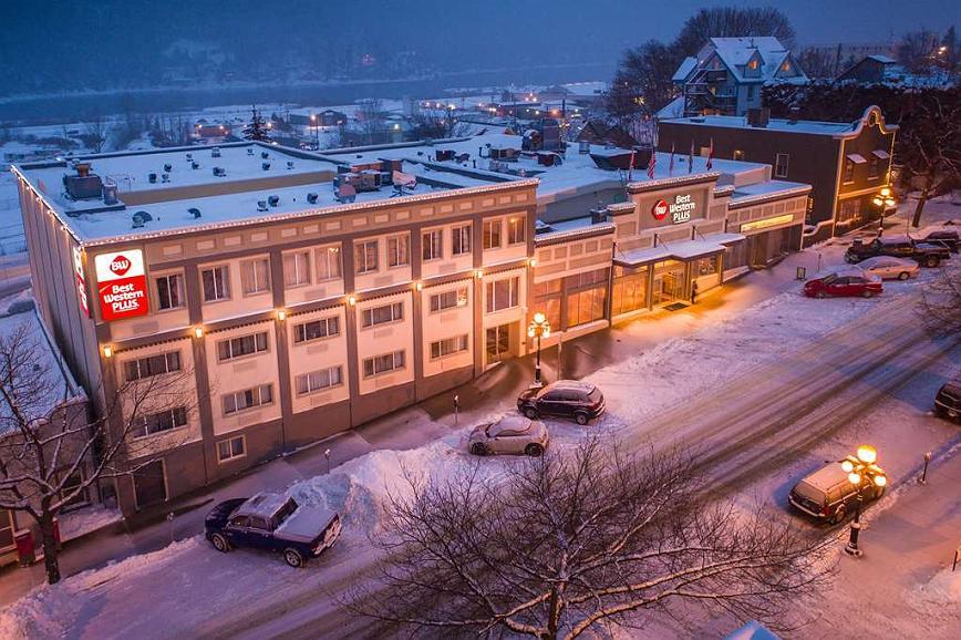 Best Western Plus Baker Street Inn & Convention Centre - Vista exterior