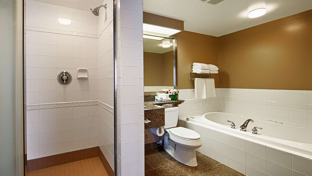 Best Western Plus Columbia River Hotel - exekutive suite bad