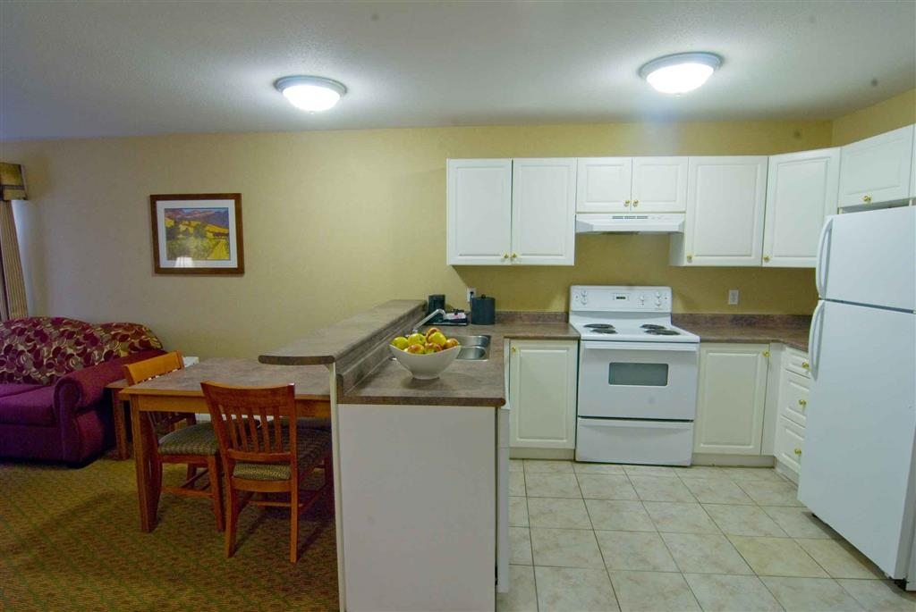 Best Western Plus Sunrise Inn - Cocina de la suite