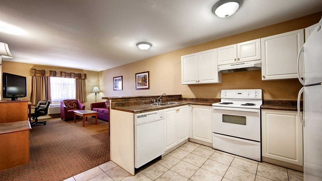 Best Western Plus Sunrise Inn - Suite