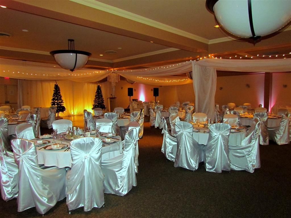 Best Western Plus Barclay Hotel - Our Barclay Ballroom is a perfect location for that large meeting, dinner or wedding.