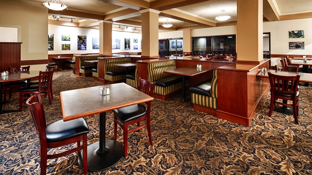 Best Western Plus Barclay Hotel - On-site Dining