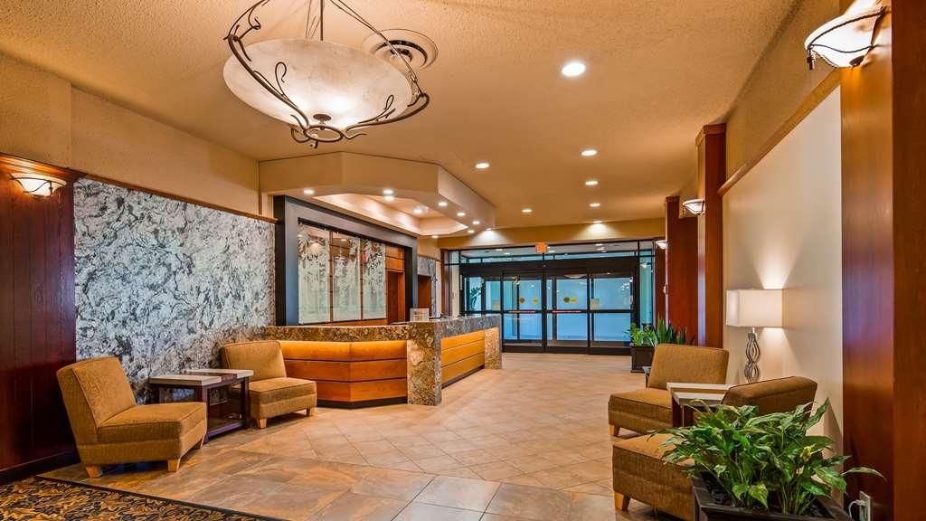 Best Western Plus Barclay Hotel - Front Desk