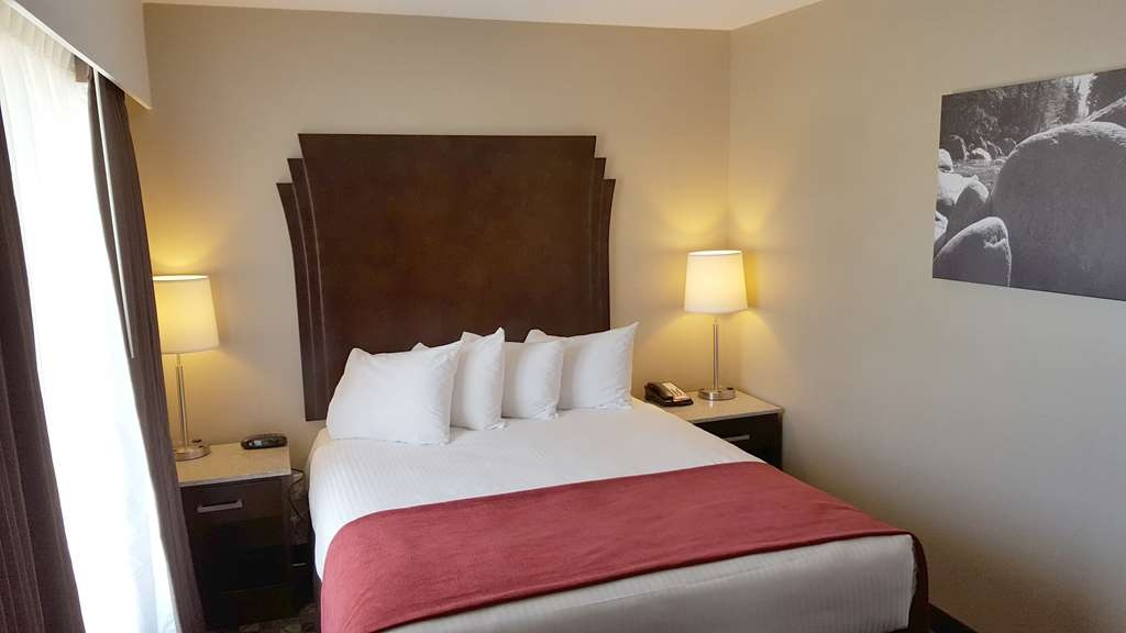 Best Western Northgate Inn - One Bedroom Suite. Seperate bedroom features one Queen Bed.