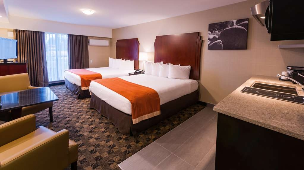 Best Western Northgate Inn - Kitchenette with Two Queen Beds