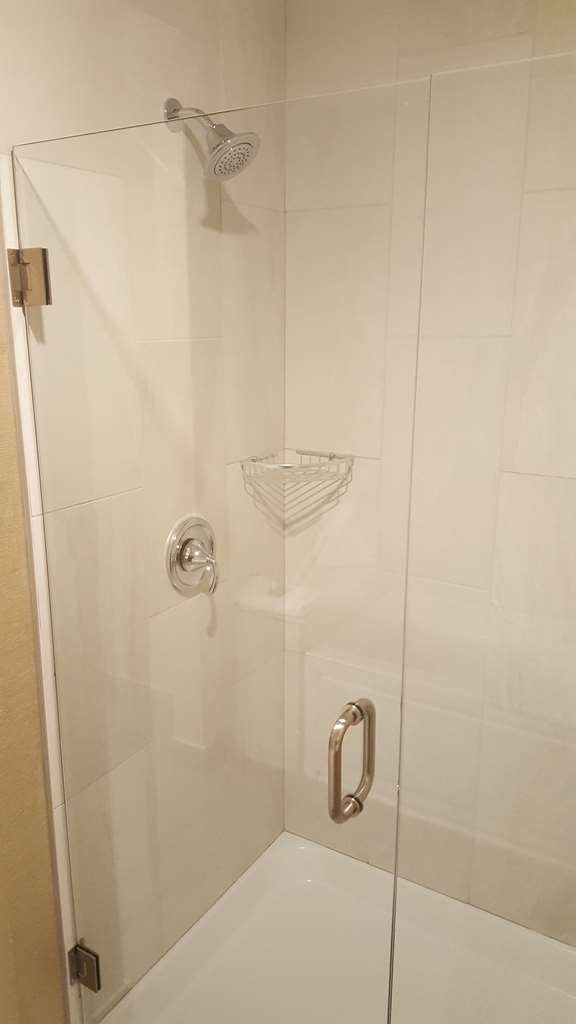 Best Western Northgate Inn - Executive Suite, King Kitchenette. Bathroom features separate shower and separate jetted bathtub
