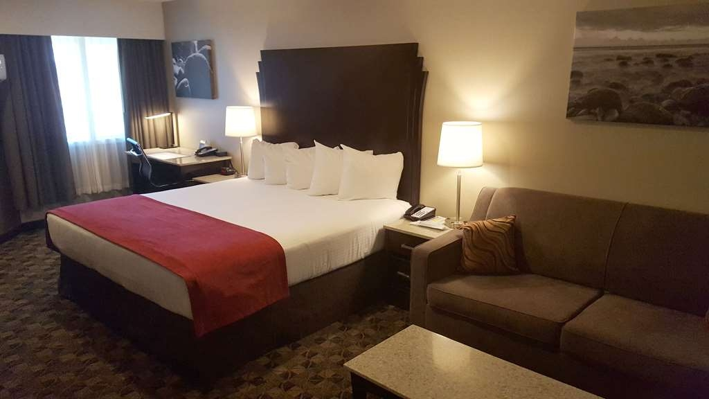 Best Western Northgate Inn - Executive King Kitchenette. Features double sofa bed.