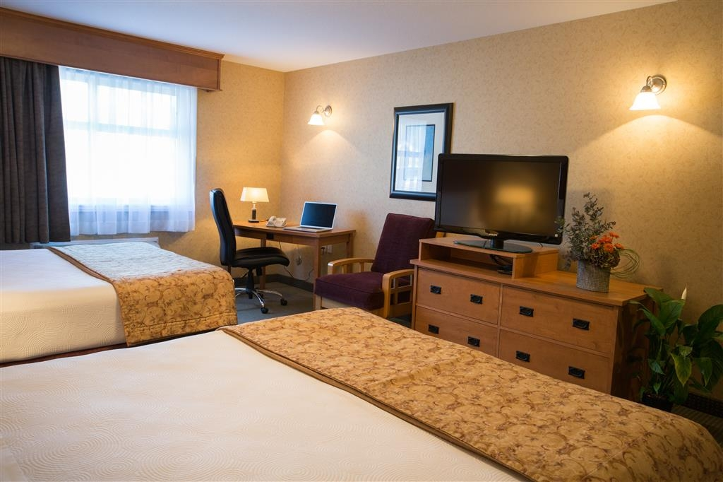 Best Western Sicamous Inn - Our Deluxe Standard Room offers the comforts of home with a few added amenities that will make your stay extra special.