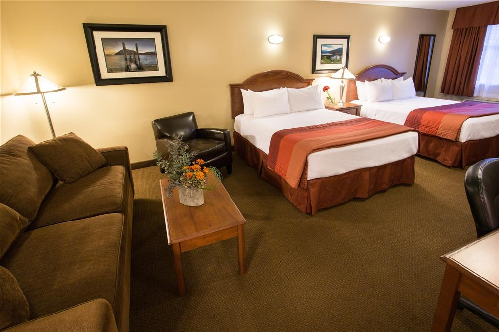 Best Western Sicamous Inn - The Studio room accommodates 1-5 guests.