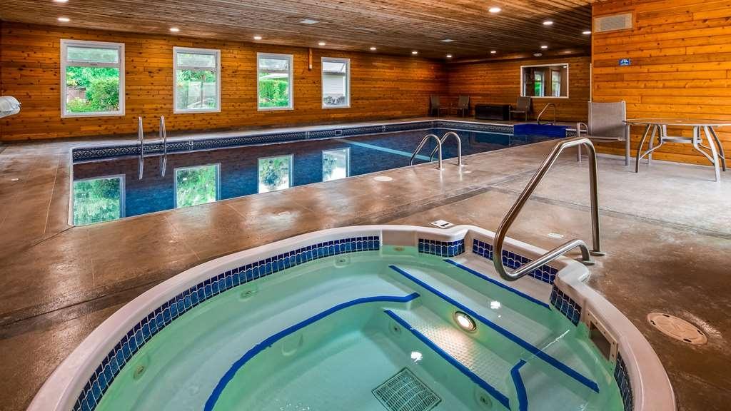 Best Western Sicamous Inn - Indoor Pool