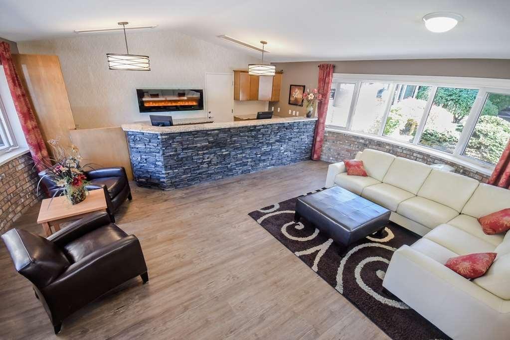 Best Western Sicamous Inn - Il nostro personale della reception è pronto ad aiutarti nella progettazione delle tue vacanze.