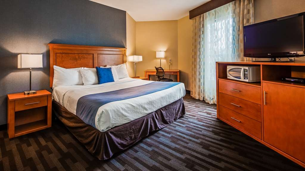 Best Western Plus Uptown Hotel - Guest Room