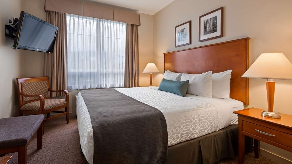 Best Western Plus Chemainus Inn - Guest Room king suite