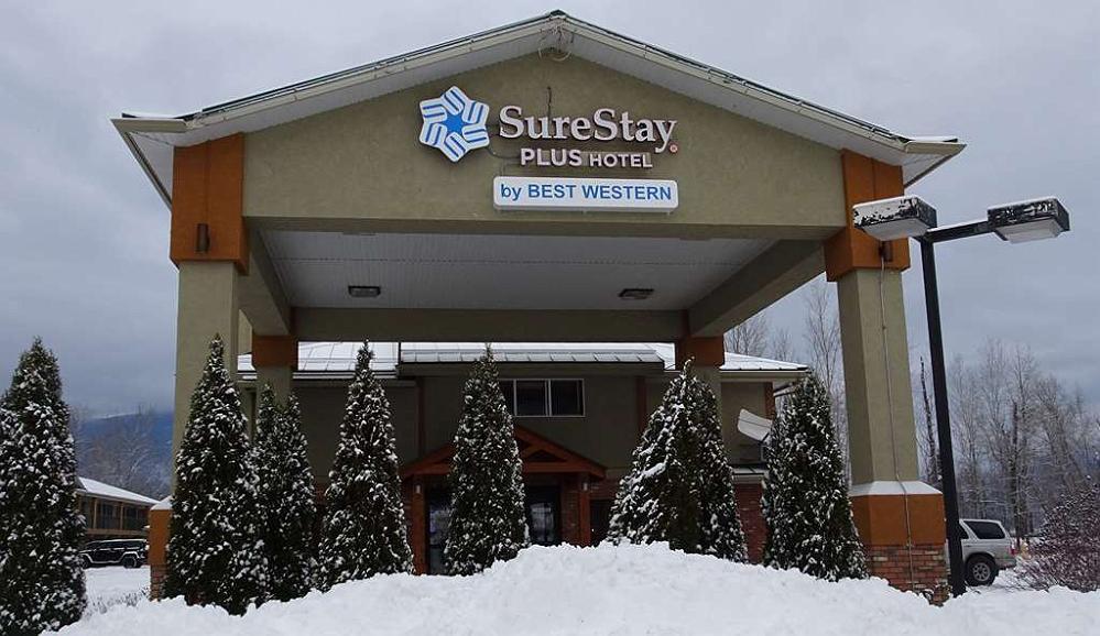 SureStay Plus Hotel By Best Western Salmon Arm - Vista exterior