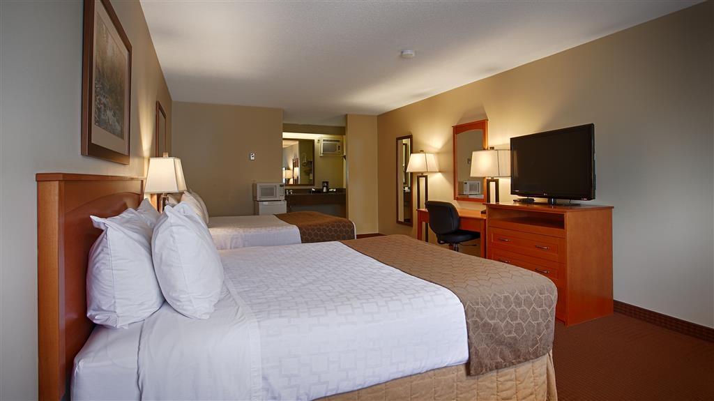 Best Western Salmon Arm Inn - Double Queen Guest Room