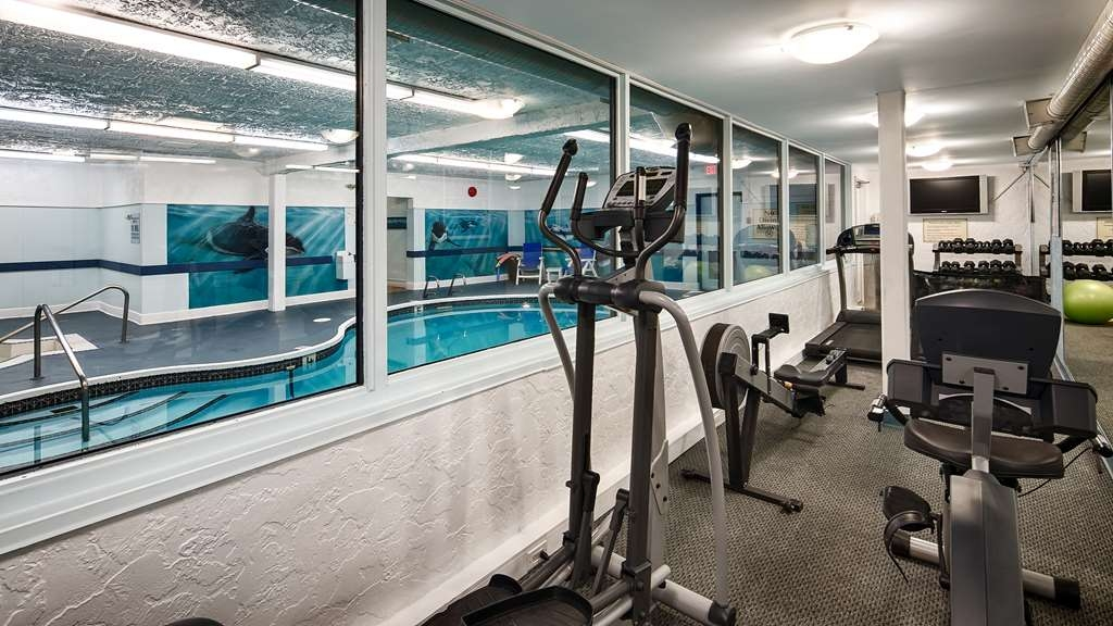 Best Western The Westerly Hotel - Our fitness center is outfitted with everything you need for a great workout