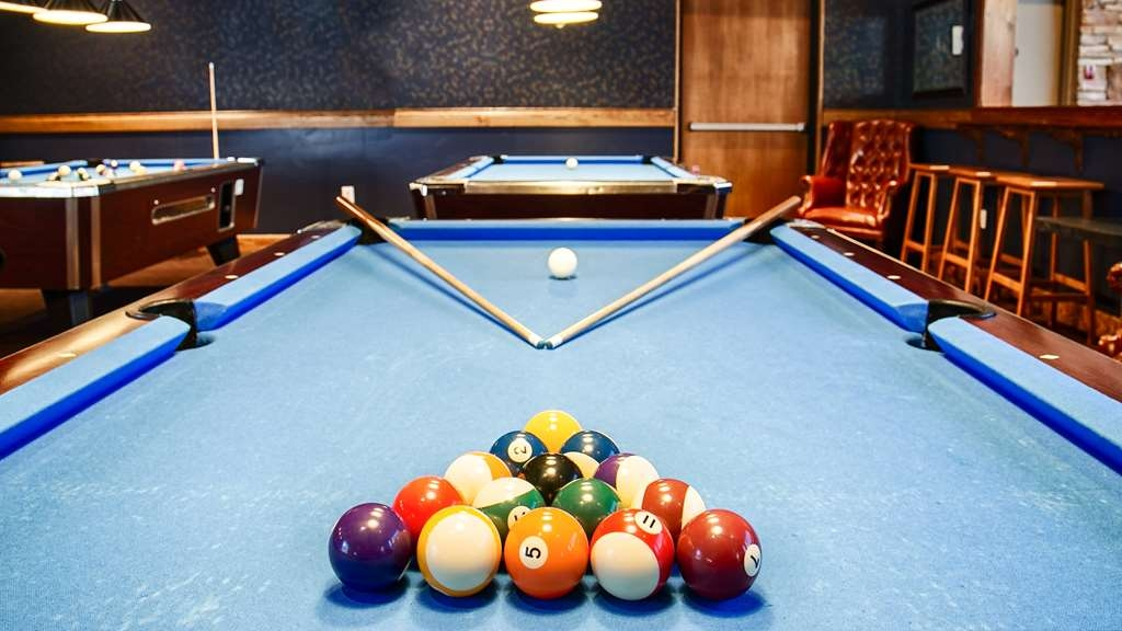 Best Western The Westerly Hotel - Shoot a game of pool, throw some darts or sink into a comfy wing back chair in the newly expanded lounge area
