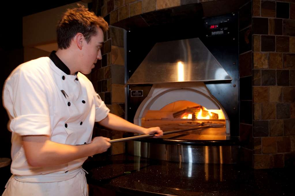 Best Western The Westerly Hotel - Authentic forno fired pizzas made right in front of your eyes