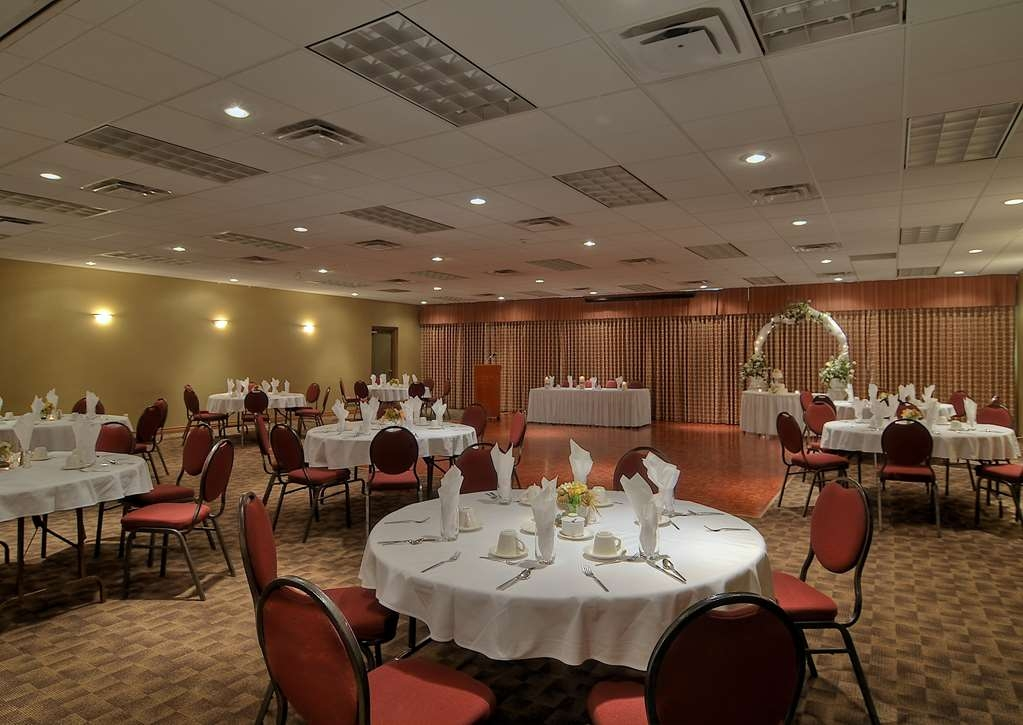Best Western The Westerly Hotel - From a boardroom meeting for 24 to the Ballroom for 225, we offer spacious Meeting space